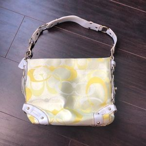🔥Coach🔥 | Yellow hand bag/purse